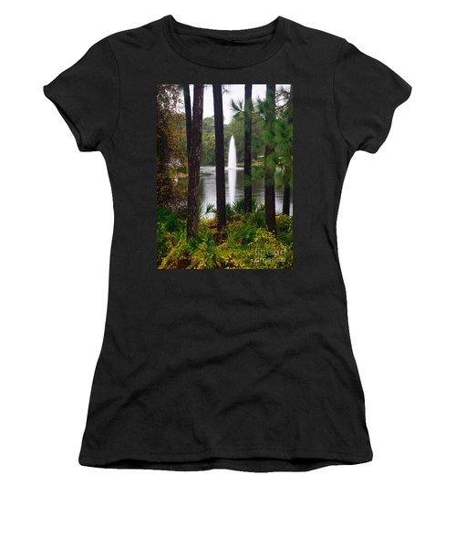 Between The Fountain Women's T-Shirt (Athletic Fit)