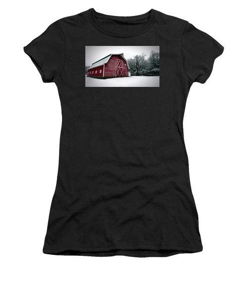 Big Red Barn In Snow Women's T-Shirt