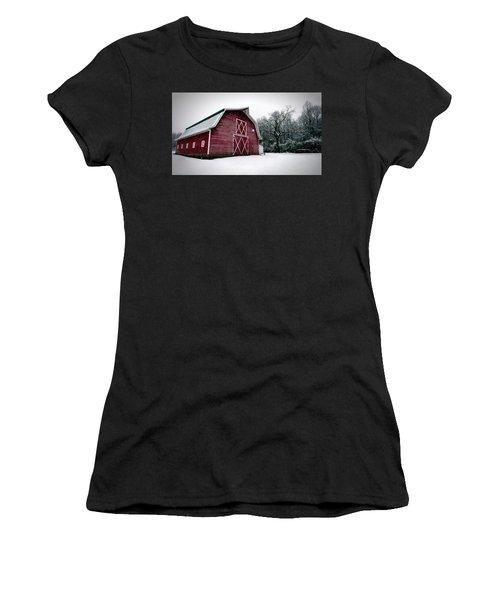 Big Red Barn In Snow Women's T-Shirt