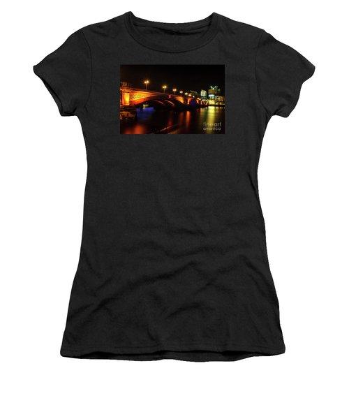Blackfriars Bridge Illuminated In Orange Women's T-Shirt