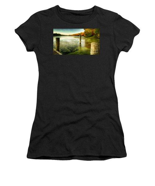 Blydenberg Park In The Fall Women's T-Shirt