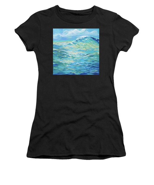 Bodysurfing Rolling Wave Women's T-Shirt (Athletic Fit)