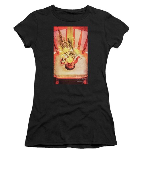 Bouquet Of Dried Flowers In Red Pot Women's T-Shirt