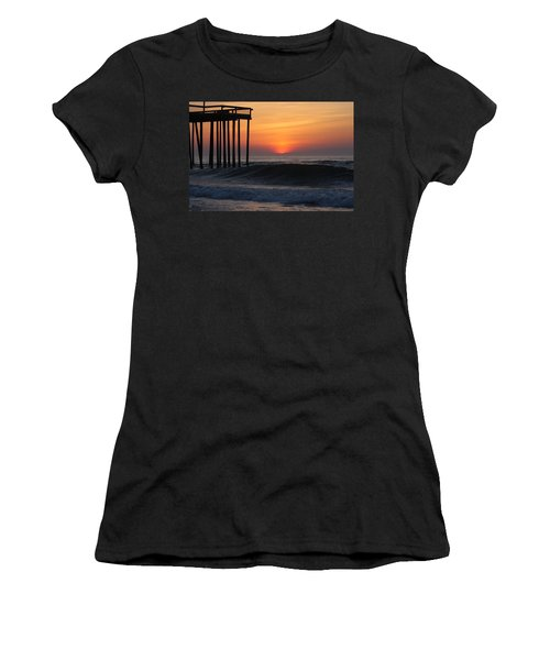 Breaking Sunrise Women's T-Shirt