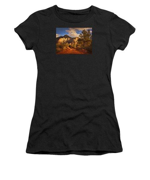 Broken Arrow Trail Pnt Women's T-Shirt (Athletic Fit)