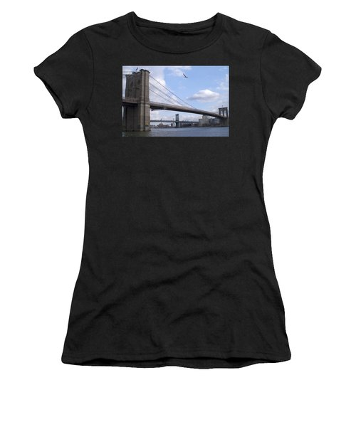 Brooklyn Bridge  Women's T-Shirt (Athletic Fit)