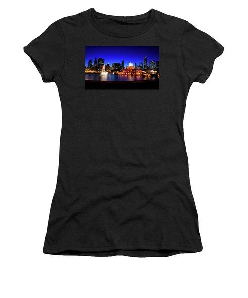 Buckingham Memorial Fountain Women's T-Shirt