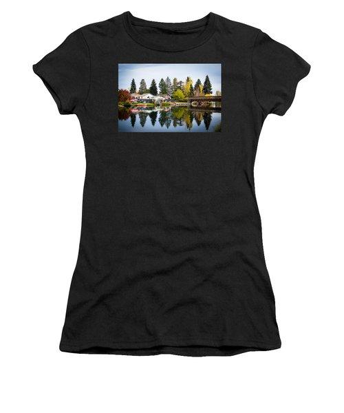 bungalows on the Deschutes Women's T-Shirt