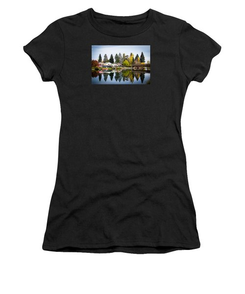 bungalows on the Deschutes Women's T-Shirt (Athletic Fit)
