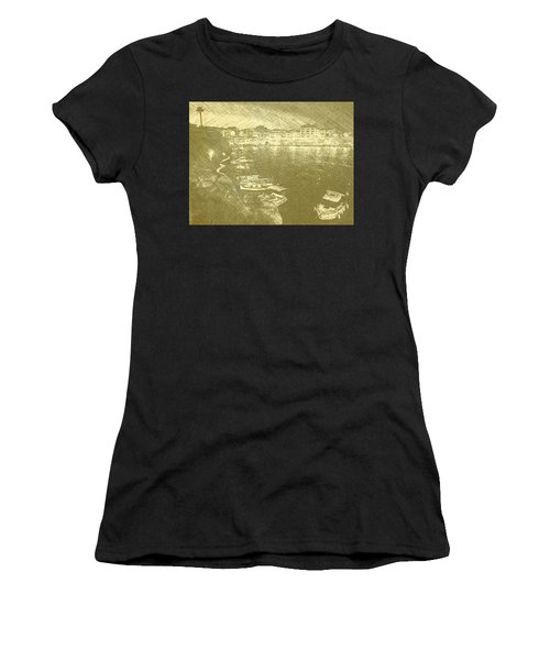 Cala Fonts At Night Women's T-Shirt (Athletic Fit)