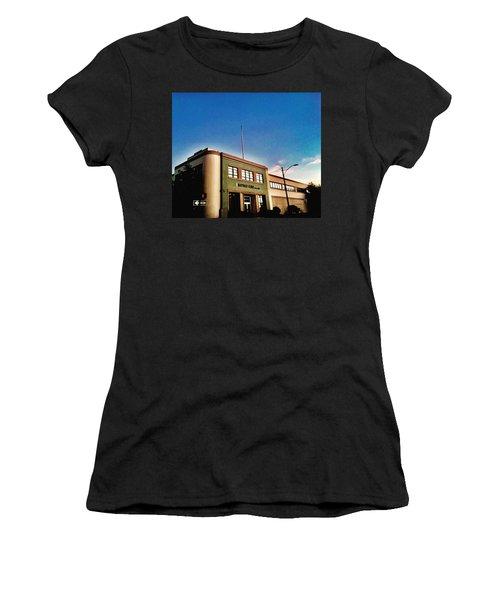 California Corner Women's T-Shirt (Athletic Fit)