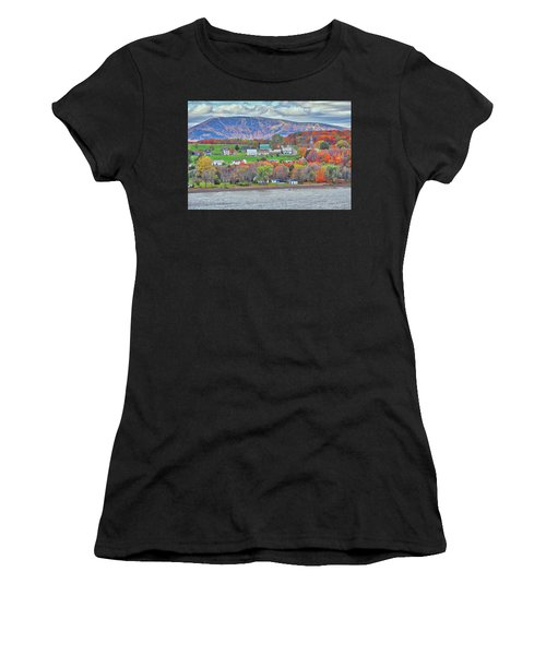 Canadian Fall Foliage Women's T-Shirt (Athletic Fit)