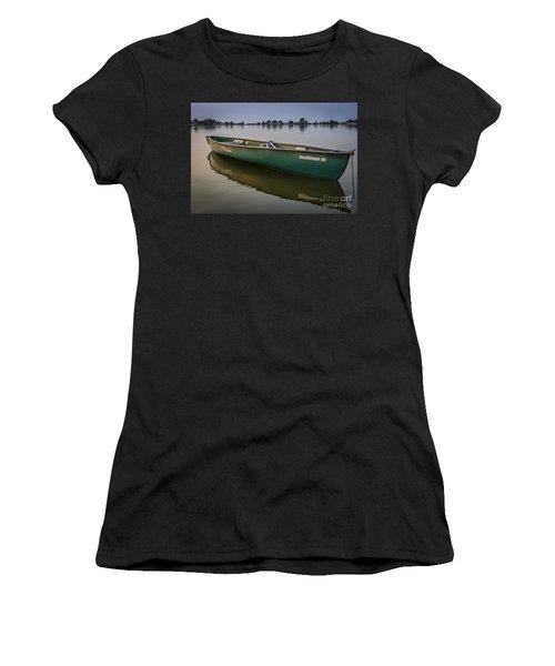 Canoe Stillness Women's T-Shirt (Junior Cut)
