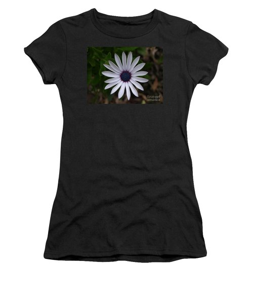 Cape Daisy Women's T-Shirt (Athletic Fit)