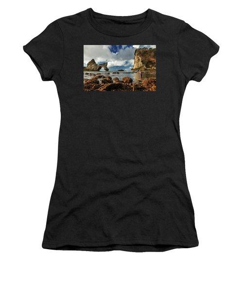 catching fish in Atuh beach Women's T-Shirt