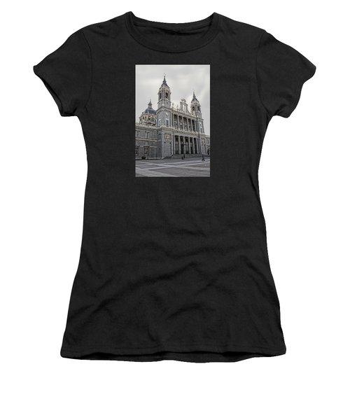 Catedral De La Almudena Women's T-Shirt (Athletic Fit)