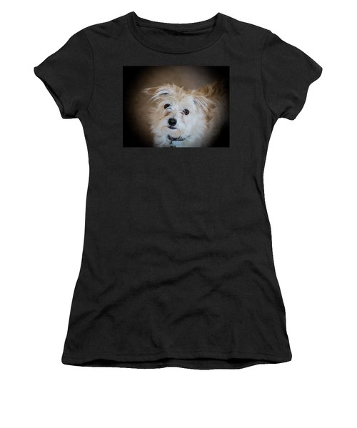 Chica On The Alert Women's T-Shirt