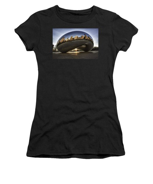 Chicago Cloud Gate At Sunrise Women's T-Shirt