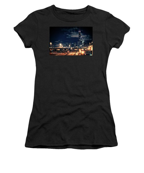 Chicago Skyline Cityscape At Night Women's T-Shirt