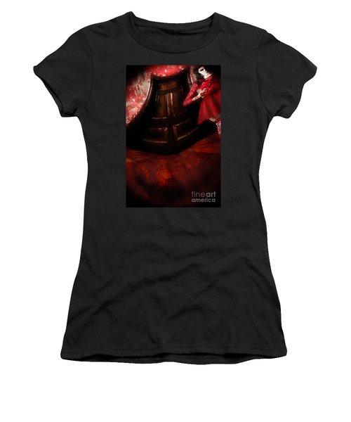 Chilling Female Killer Inside Spooky Horror House Women's T-Shirt