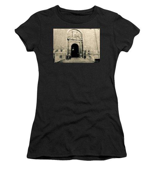 Churchdoor In Mahon Women's T-Shirt (Athletic Fit)