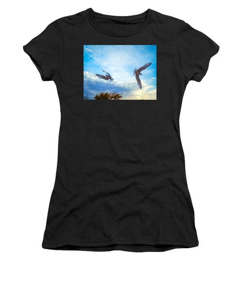 Circling Wings  Women's T-Shirt