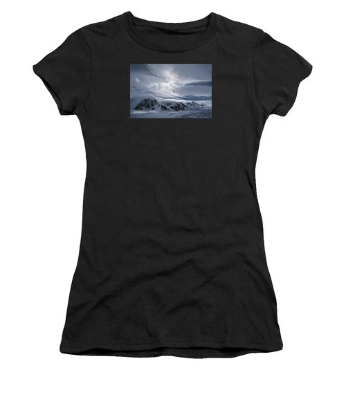 Cirque Du Soleil Women's T-Shirt (Athletic Fit)