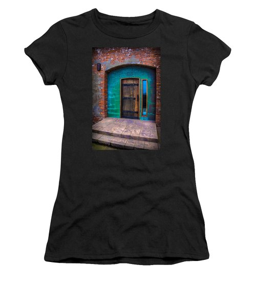 Clam Cannery Door Women's T-Shirt (Athletic Fit)