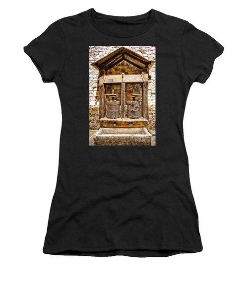 Classic Grape Press Women's T-Shirt (Athletic Fit)