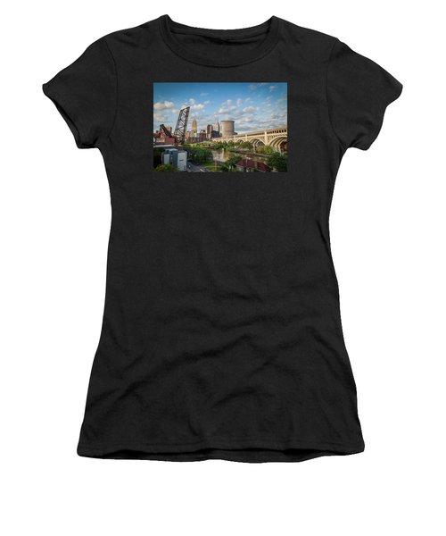 Cleveland Skyline Vista Women's T-Shirt