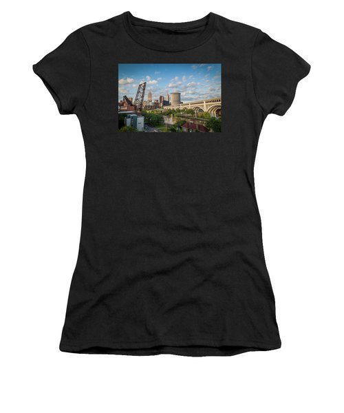 Cleveland Skyline Vista Women's T-Shirt (Athletic Fit)