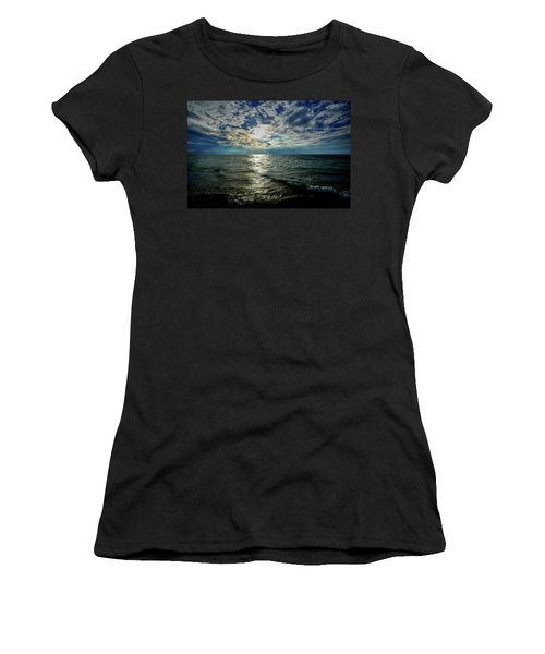 Close To Sunset... Women's T-Shirt (Athletic Fit)