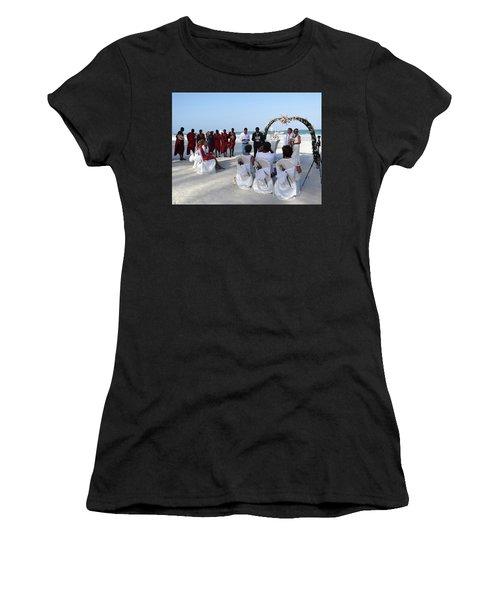 Close Up Kenya Baach Wedding Women's T-Shirt