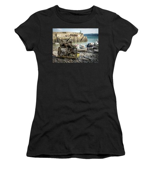 Clovelly Crab Trap Women's T-Shirt (Athletic Fit)