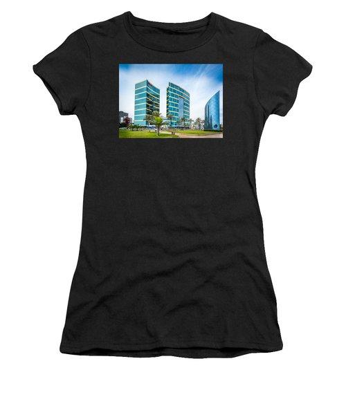 Colour Buildings Lima. Women's T-Shirt