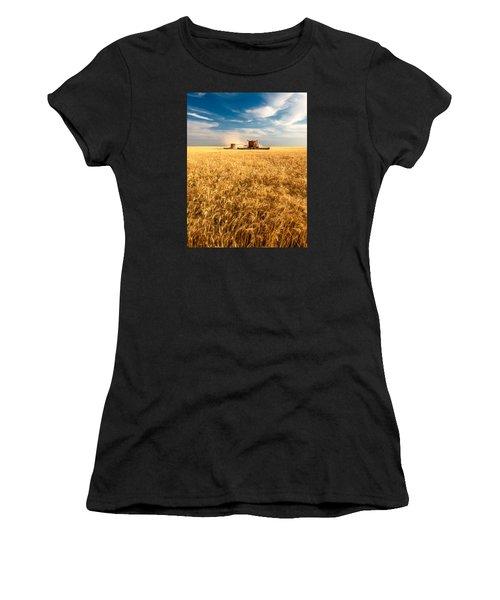 Combines Cutting Wheat Women's T-Shirt