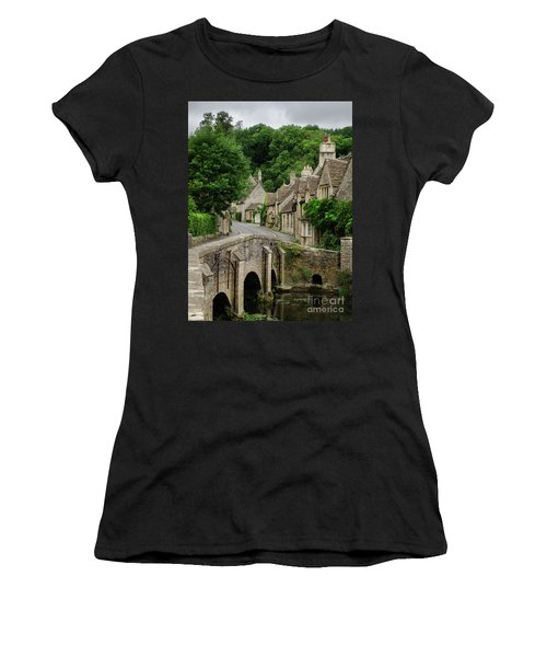 Cotswolds Village Castle Combe Women's T-Shirt (Junior Cut)