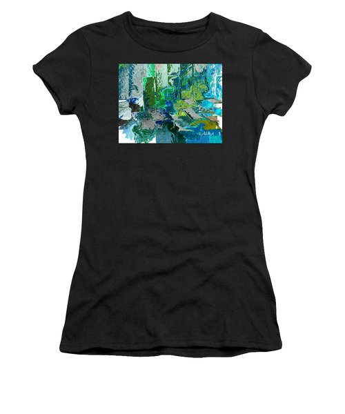 Courtyard Women's T-Shirt (Athletic Fit)