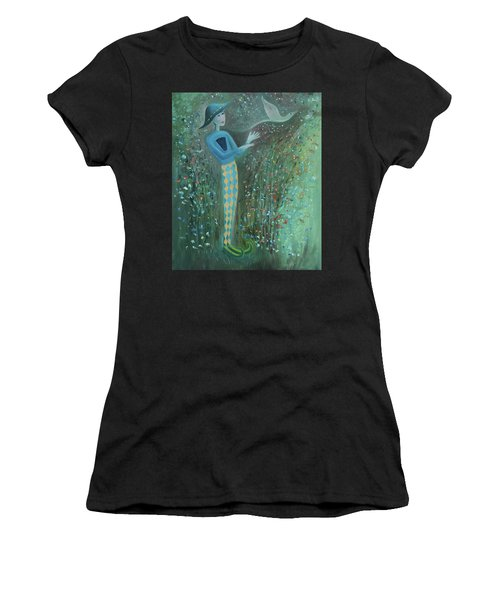Cousin Good Shoes Sentinel Women's T-Shirt (Athletic Fit)