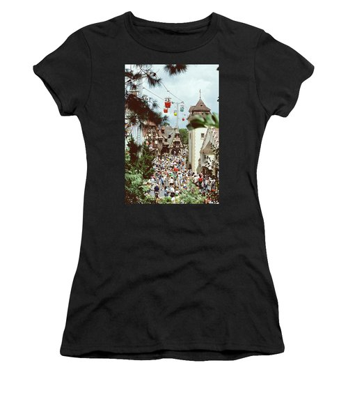 Crowded Women's T-Shirt