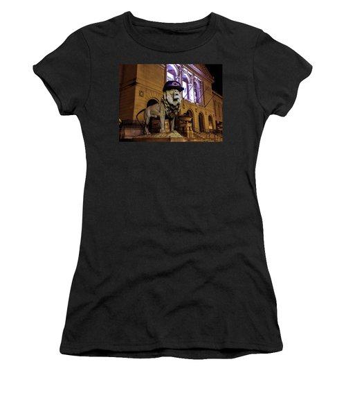 Cubs Lion Hearts Women's T-Shirt (Athletic Fit)