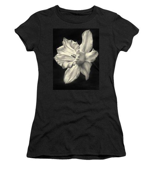 Daffodil Glow Women's T-Shirt
