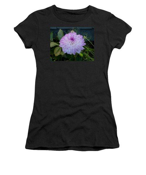 Dahlia Beautiful Women's T-Shirt (Athletic Fit)