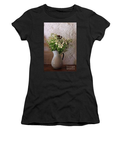 Daises4 Women's T-Shirt (Athletic Fit)