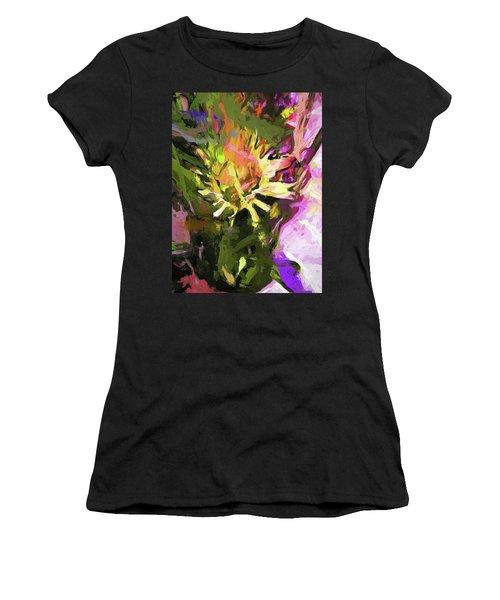 Daisy Breeze Women's T-Shirt (Athletic Fit)
