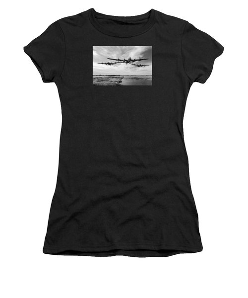 Dambusters Practising Low Level Flying Bw Version Women's T-Shirt