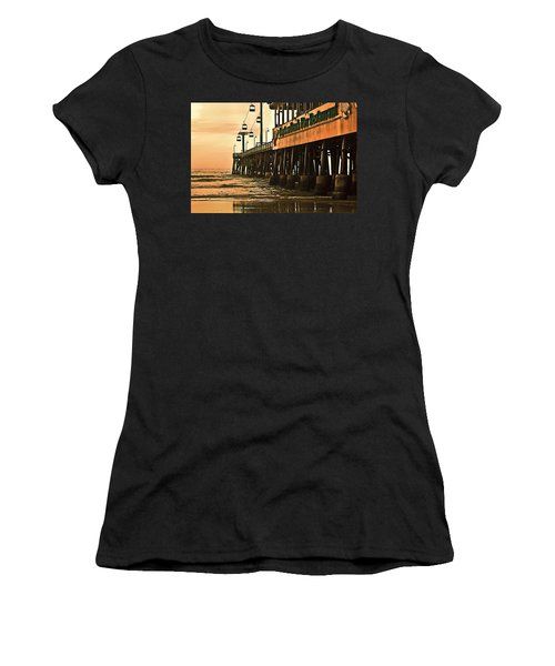 Daytona Beach Pier Women's T-Shirt (Athletic Fit)