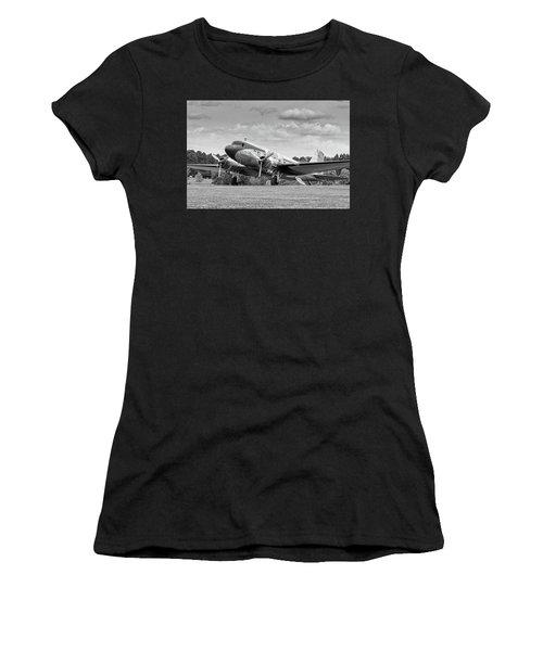 Dc-3 On Grass Women's T-Shirt