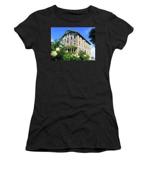 Dec Building Cape Vincent Ny Women's T-Shirt (Athletic Fit)
