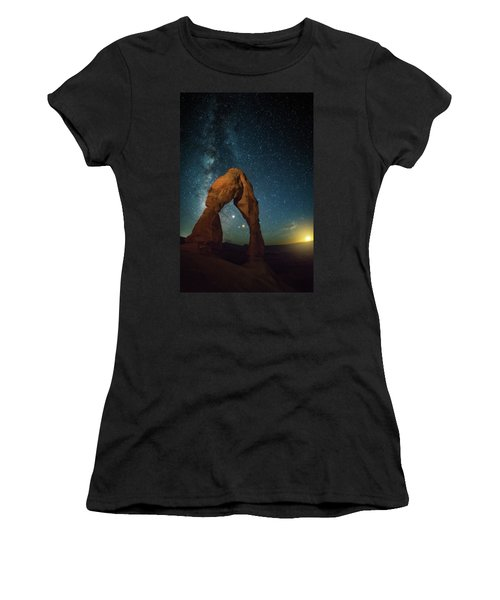 Delicate Arch Moonset Women's T-Shirt